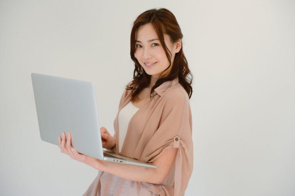 雇用調整助成金制度に詳しい女性専門家