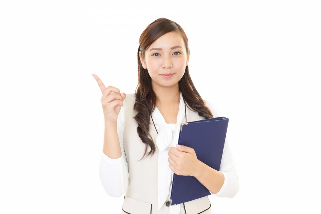 助成金についての解説をする女性