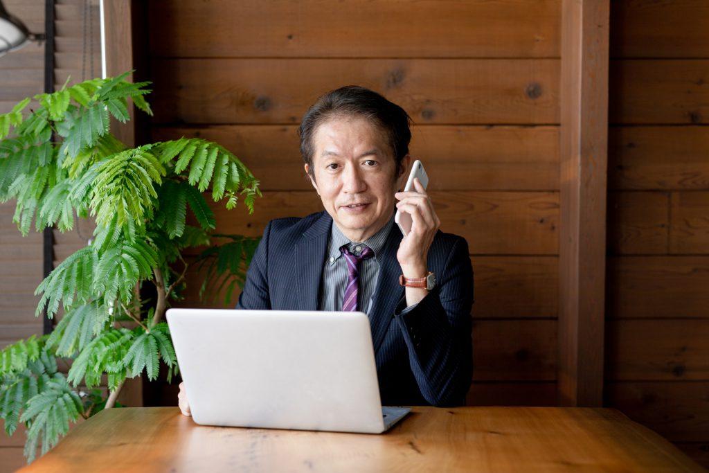 40歳を過ぎて起業する中高年男性